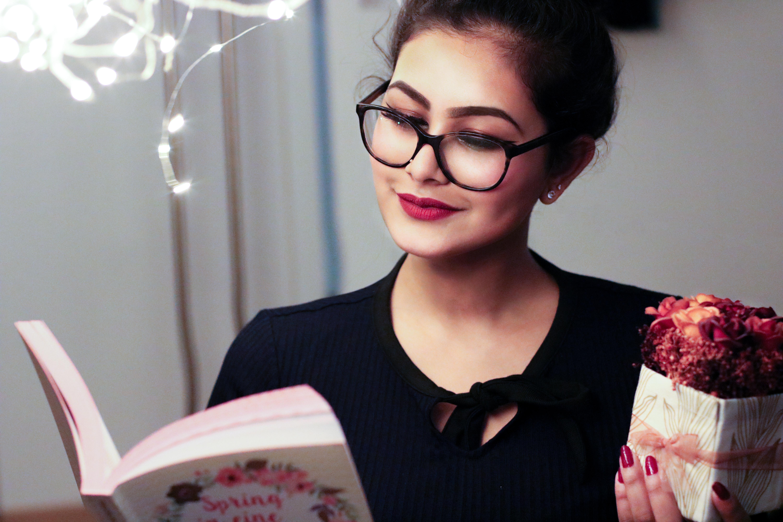 filipina reading english book